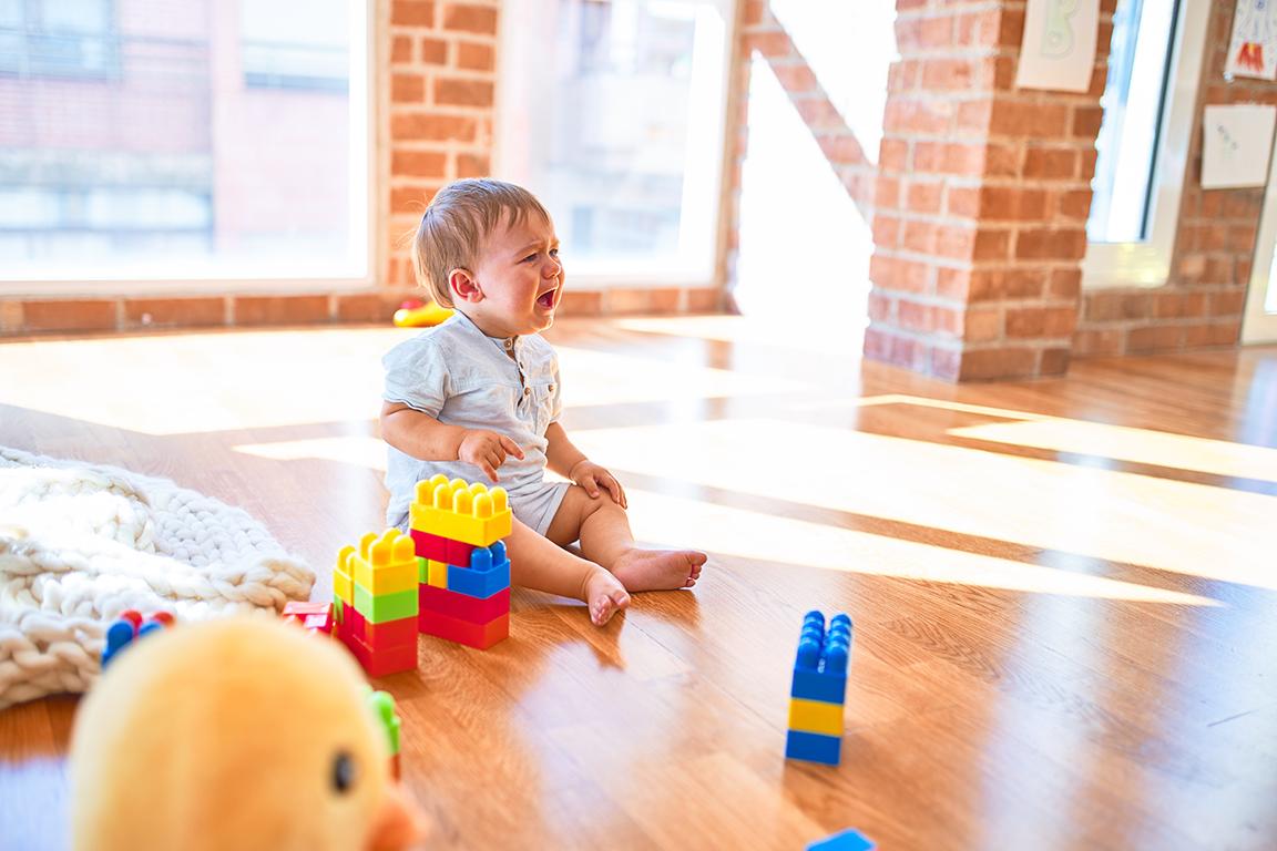 Hilfe für Eltern mit Babys, die viel weinen